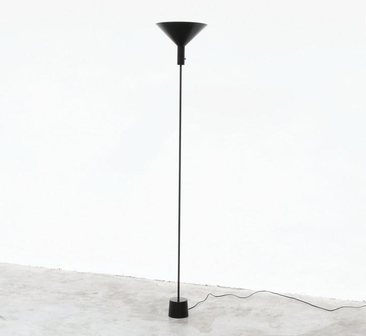 stilnovo-arteluce-lamp-floor lighting vintage italian industrial 50s 60s black stilnovo floor lamps Top 10 stilnovo floor lamps for your living room Stilnovo 0016 16