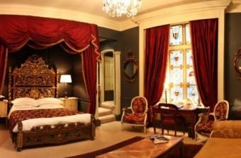 Boca do Lobo-bedroom-feature
