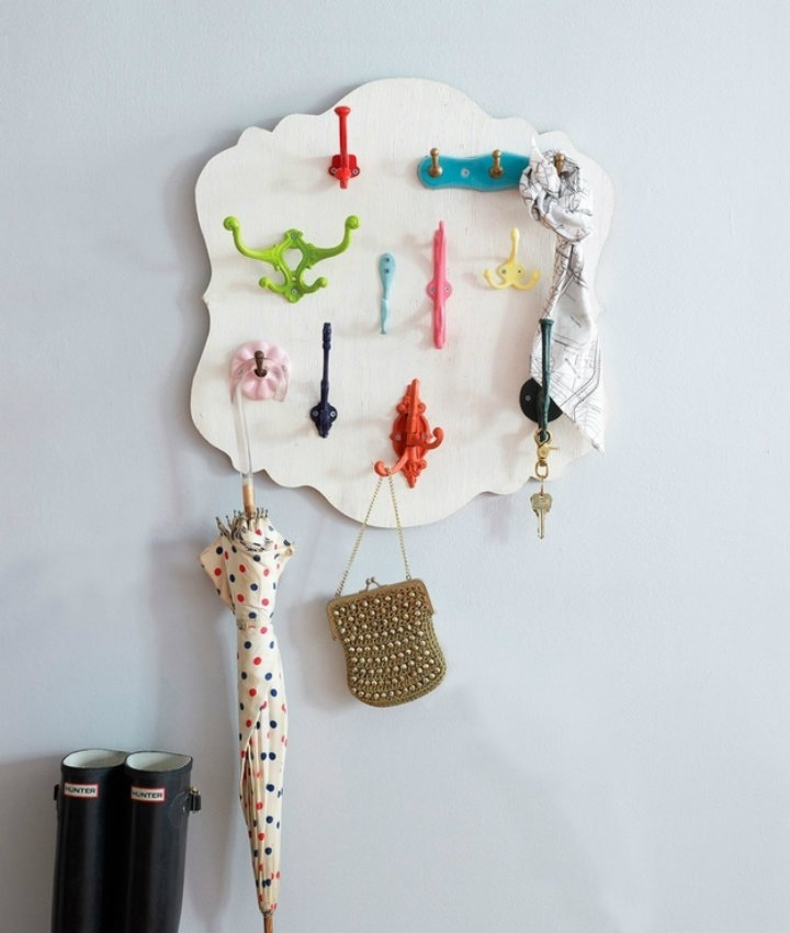 Colorful hook hanger Ten tips to organize your home Ten tips to organize your home imag73