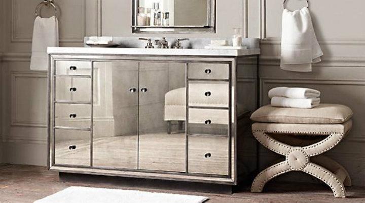 mirror vanity Ten easy ways to make your bathroom a glamourous room Ten easy ways to make your bathroom a glamourous room mirror vanity