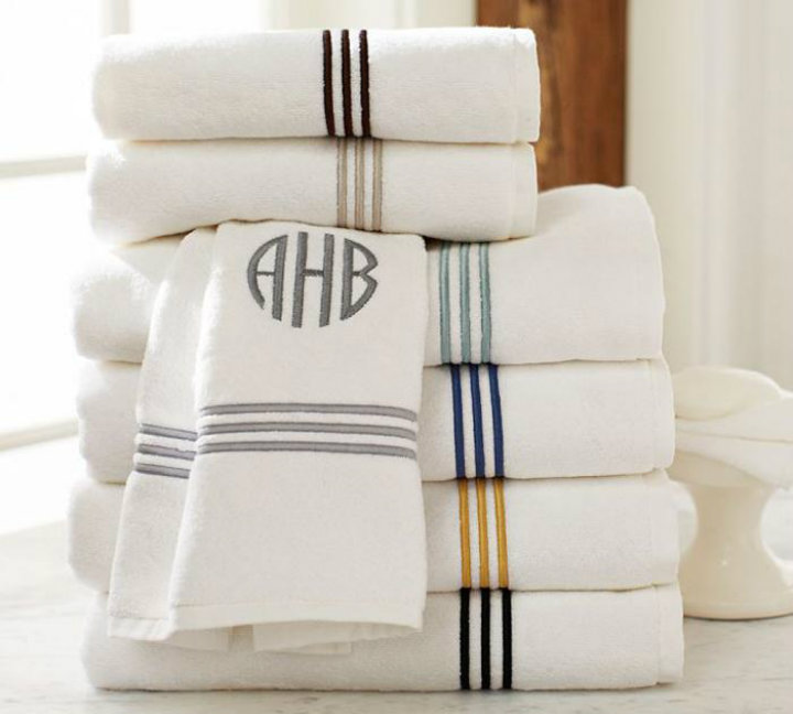 plush minigrammed towels Ten easy ways to make your bathroom a glamourous room Ten easy ways to make your bathroom a glamourous room plush minigrammed towels