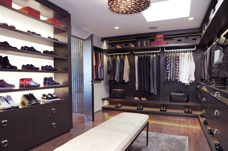 215 Decorating Ideas for your Bedroom Closet