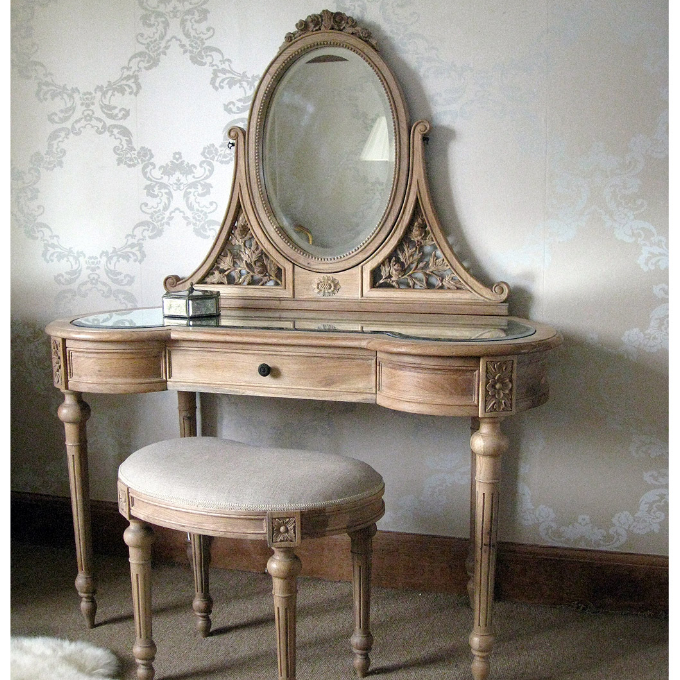 Boca do lobo-txt-Dressing table-8 dressing tables Top Ten Dressing Tables with Mirror for Celebrity Homes Boca do lobo txt Dressing table 8