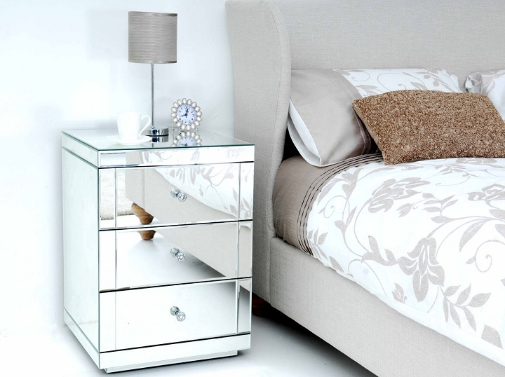 Why Go For Mirrored Nightstands?