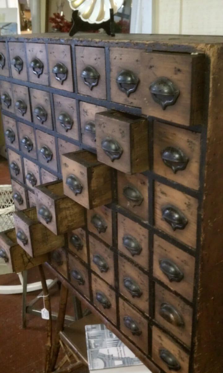 Gorgeous antiqe chests you will want Gorgeous antique chests with drawers you will want Gorgeous antique chests with drawers you will want f80a5752bcaa492259e1c59de372d20a