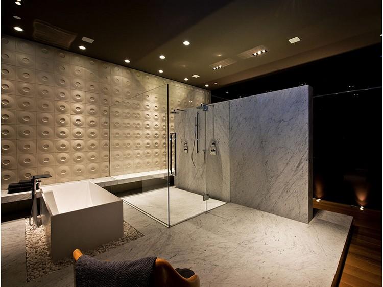 shower 2 Bathroom: The New Centerpiece of a Home Bathroom: The New Centerpiece of a Home shower 2