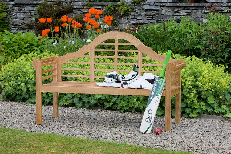 The perfect bench to your outstanding garden