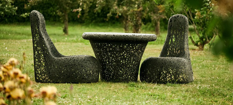 Garden Tables for an outstanding outdoor decoration
