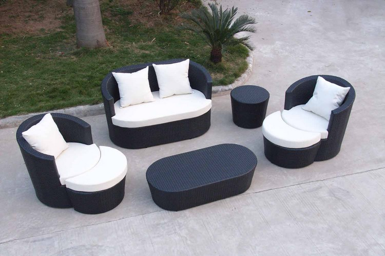 Garden Tables for an outstanding outdoor decoration Garden Tables for an outstanding outdoor decoration Garden Tables for an outstanding outdoor decoration small 4