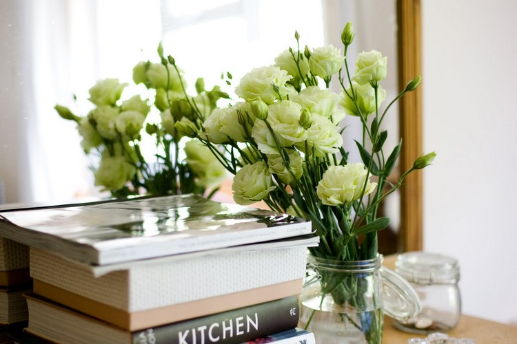 Spring is coming! Decorate your home with flowers. Spring is coming! Decorate your home with flowers Spring is coming! Decorate your home with flowers 3 1