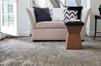 Add color to your decoration with Loloi Rugs