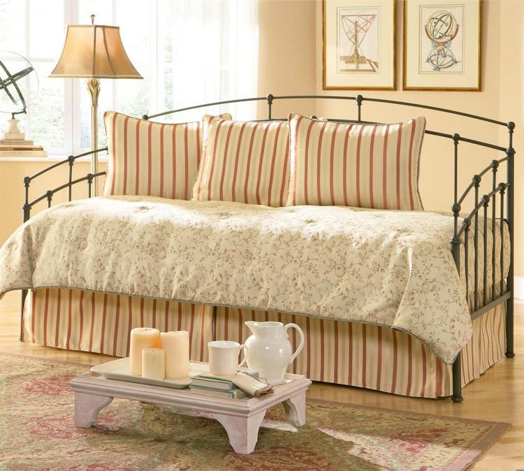 Bedroom Decor Ideas Bedroom Decor Ideas: 50 Inspirational Day Beds light7