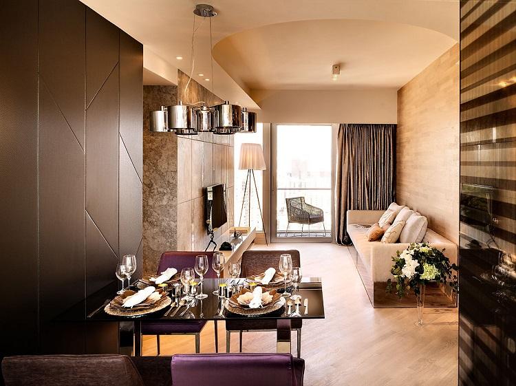 Living in a Small Luxury Flat1 Luxury flat Living in a Small Luxury Flat Living in a Small Luxury Flat1