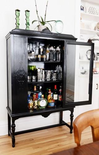 Mid century modern home bar design.  modern cabinet Top 30 Modern Cabinets Top 50 Modern Cabinets 15 e1448015889156  Top 20 Modern Cabinets for your living room Top 50 Modern Cabinets 15 e1448015889156