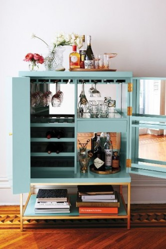 This is a minibar cabinet with a lovely design! It's perfect for a contemporary living room.  modern cabinet Top 30 Modern Cabinets Top 50 Modern Cabinets 22 e1448016426996  Top 20 Modern Cabinets for your living room Top 50 Modern Cabinets 22 e1448016426996