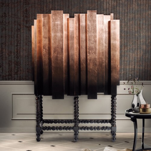 Named after King Manuel I of Portugal, best known for his support of Portuguese exploration, this noble cabinet takes inspiration from the Portuguese Manuelino style and a city skyline. A design by Boca do Lobo.  modern cabinet Top 30 Modern Cabinets Top 50 Modern Cabinets 24 e1448016534440  Top 20 Modern Cabinets for your living room Top 50 Modern Cabinets 24 e1448016534440