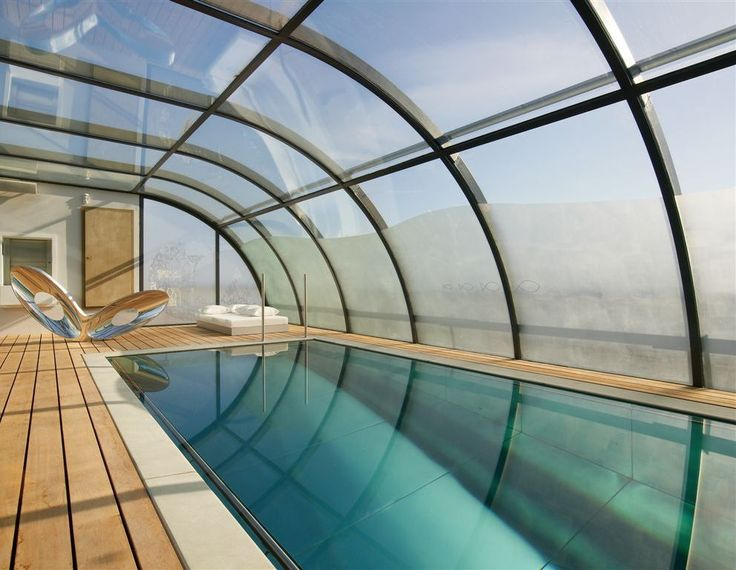 Indoor pool design at a Brussels penthouse