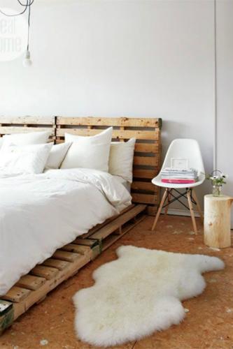 Modern white bedroom design scandinavian design AMAZING SCANDINAVIAN DESIGN BEDROOMS hbz pinterest rustic chic 733901980ee16e9dd1508b0fe2caec03