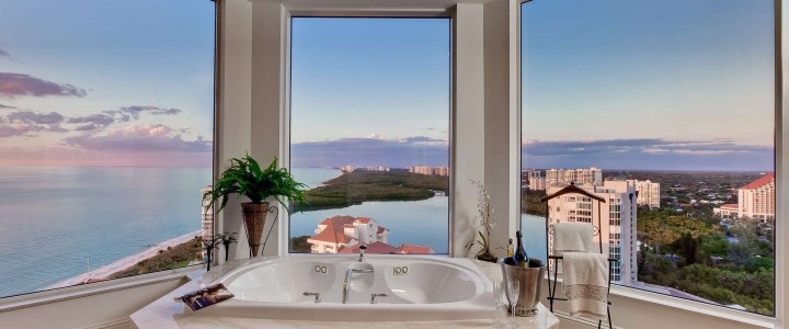 naples-fl-bathroom-with-a-long-view-over-gulf-of-mexico-7