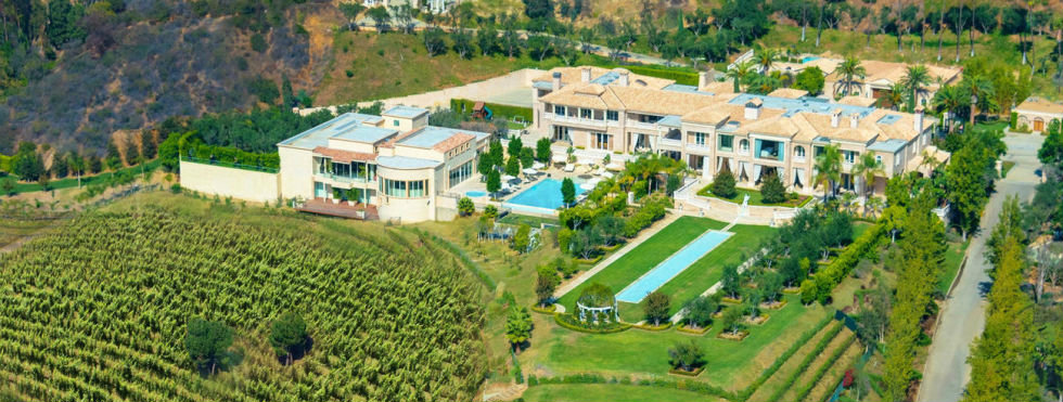 expensive home Take A Look At The Most Expensive Home in America feature 12