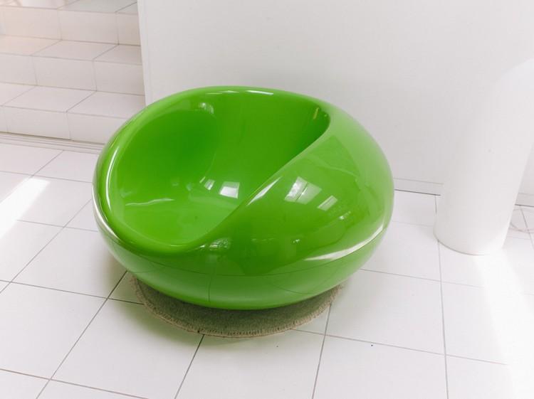 modern eero_aarnio_ignant_final_014033-1050x786 modern furniture Modern Furniture Legend Eero Aarnio modern eero aarnio ignant final 014033 1050x786