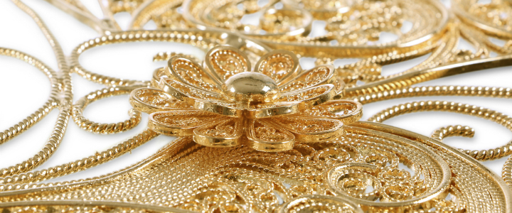 gold furniture The Best Gold Furniture Pieces For Your Luxury Home ft 8