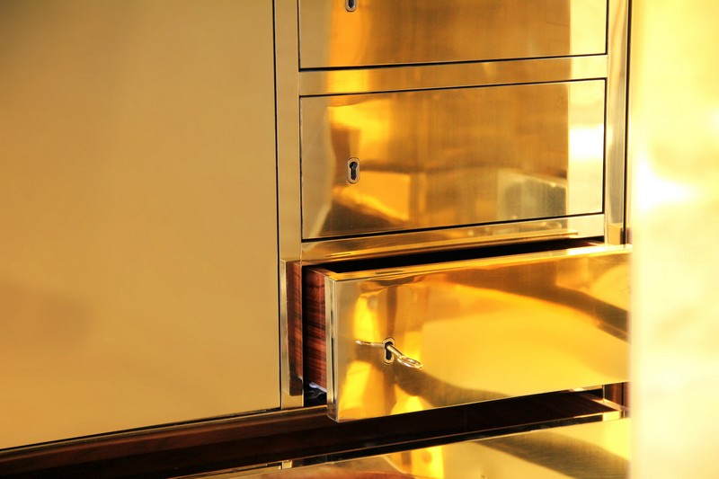 Gold Rush and Millionaire Luxury Safe  Gold Rush and Millionaire Luxury Safe The Gold Rush and Millionaire Luxury Safe by Boca do Lobo millionaire 07