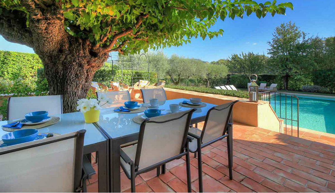 luxury lifestyle 10 Amazing Outdoor Areas That Will Perfectly Fit Your Luxury Lifestyle 12 Outdoor area 1140x659