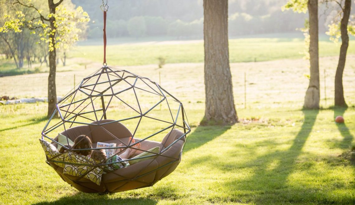 Summer Trends: Outdoor Swings For Relaxing Afternoons