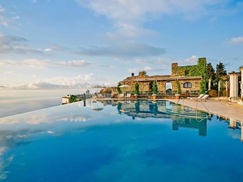 luxury pools luxury pools Discover The Most Astonishing Luxury Pools around the Globe Discover The Most Astonishing Luxury Pools around the Globe 4