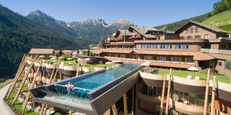 luxury pools Discover The Most Astonishing Luxury Pools around the Globe Discover The Most Astonishing Luxury Pools around the Globe 9 1