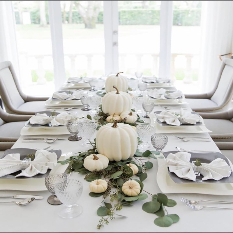 dining room Beautiful Dining Room Decor to Gather Your Family on Thanksgiving Beautiful Dining Room Decor to Gather Your Family on Thanksgiving 08