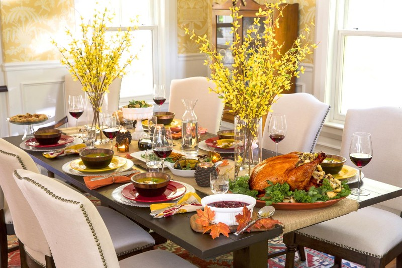 dining room Beautiful Dining Room Decor to Gather Your Family on Thanksgiving Beautiful Dining Room Decor to Gather Your Family on Thanksgiving 10