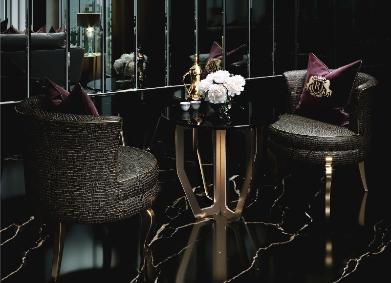 Celia Sawyer Designs Masculine Yet Glamorous Luxury Home (3) luxury home Black and Gold Reign In This Luxury Home Celia Sawyer Designs Masculine Yet Glamorous Luxury Home 3