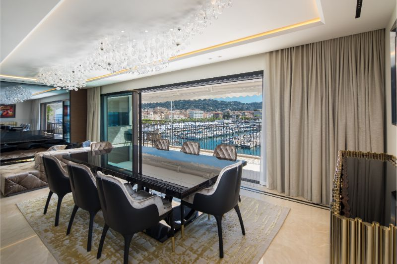 An Opulent French Apartment That Overlooks The Port Of Cannes (1) french apartment An Opulent French Apartment That Overlooks The Port Of Cannes An Opulent French Apartment That Overlooks The Port Of Cannes 1 1