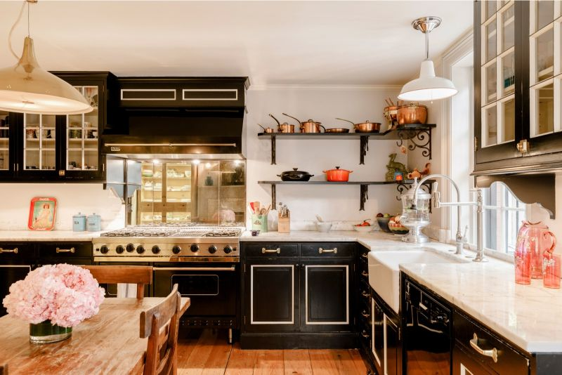 Liv Tyler Invites You To Her Dreamy West Village Townhouse (9) liv tyler Liv Tyler Invites You To Her Dreamy West Village Townhouse Liv Tyler Invites You To Her Dreamy West Village Townhouse 9